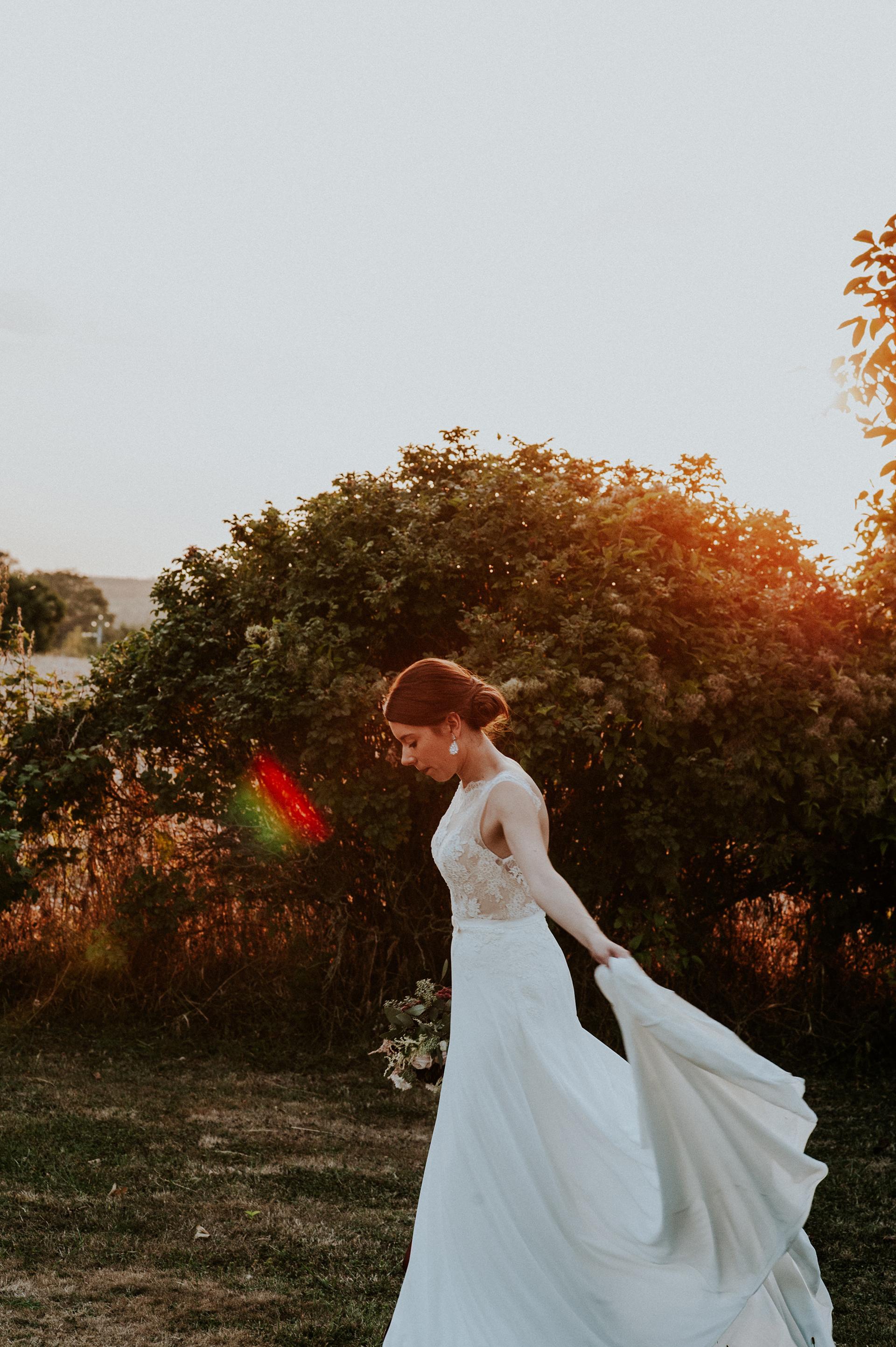 ©Les Histoires d'A. - Laetitia Pavoine - ceremonie laique arche fleurs